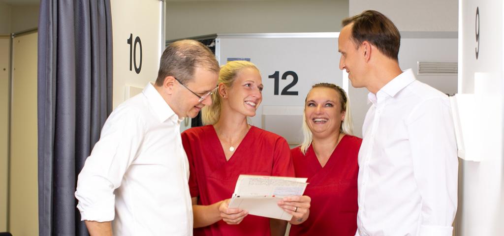 Orthopäde und D-Arzt in Dortmund-Hombruch: Dr. Schmalz und Dr. Janßen mit Team